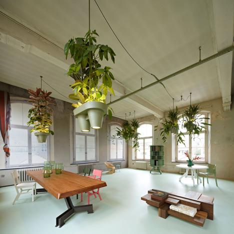 led-osvetlenie-rastliny-kancelaria-esteticke-zelene-energia-