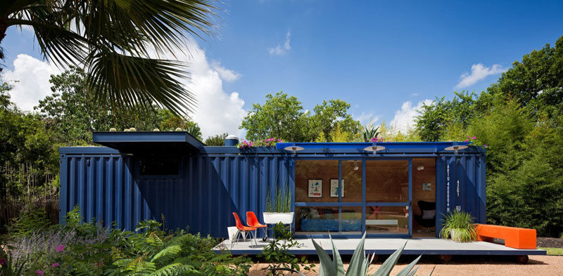 eko byvanie kontainer usporne led osvetlenie solarne panely zahraka bez hypoteky 3 Nechutia vám hypotéky? Kto by to povedal, že sa dá parádne žiť v kontajneri.