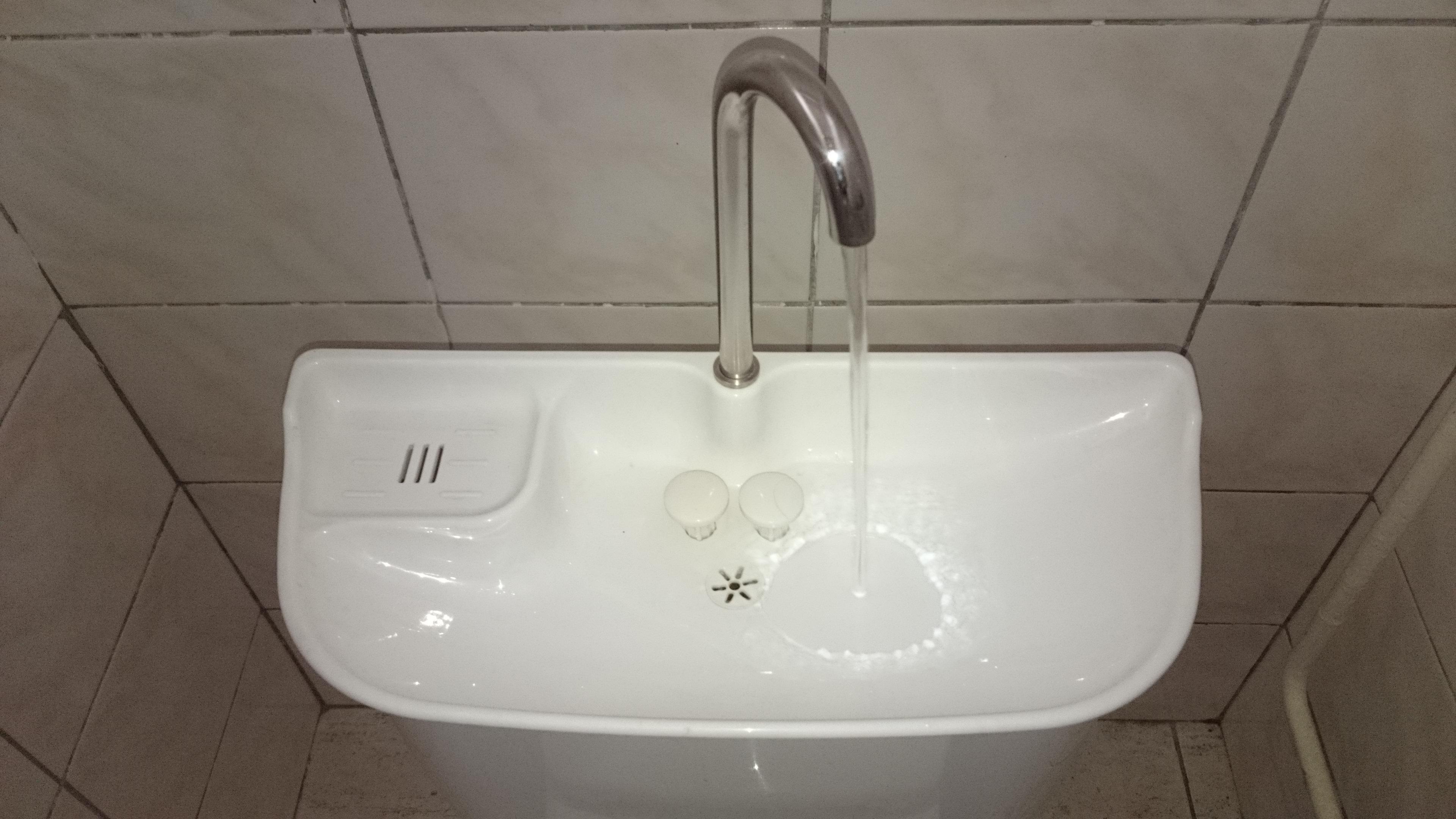 úsporny splachovač s wc
