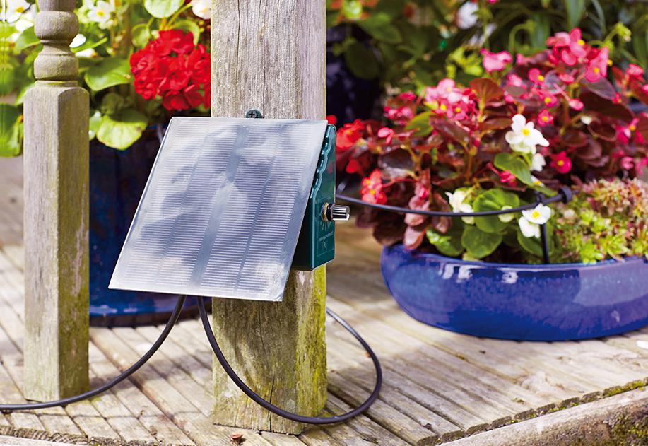 Irrigatia C24 hero v1 72dpi Nezávislá solárna kvapková závlaha ušetrí až  90 % vody
