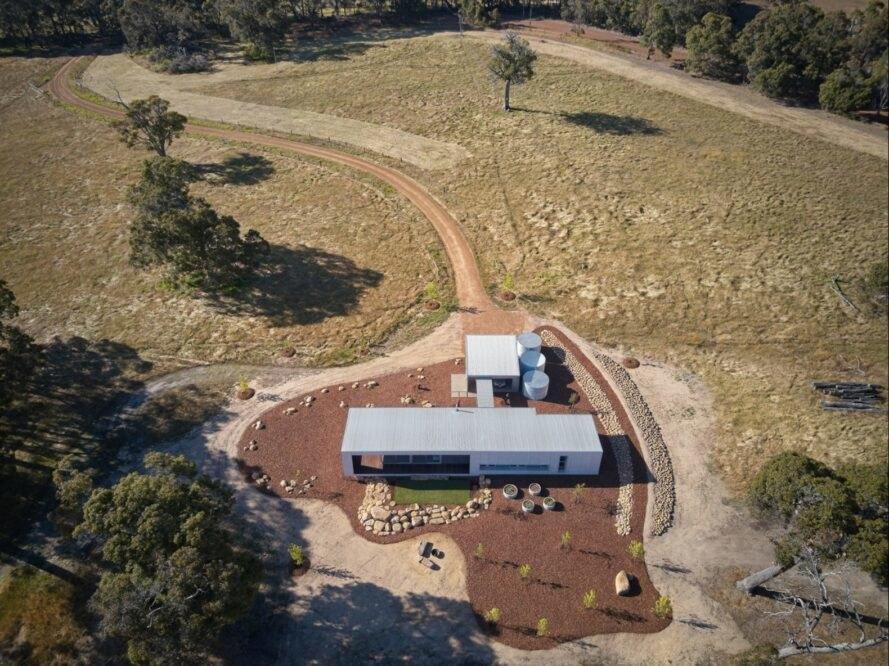Paddock House2 889x666 Moderný pasívny dom z Austrálie so solárnou technológiou