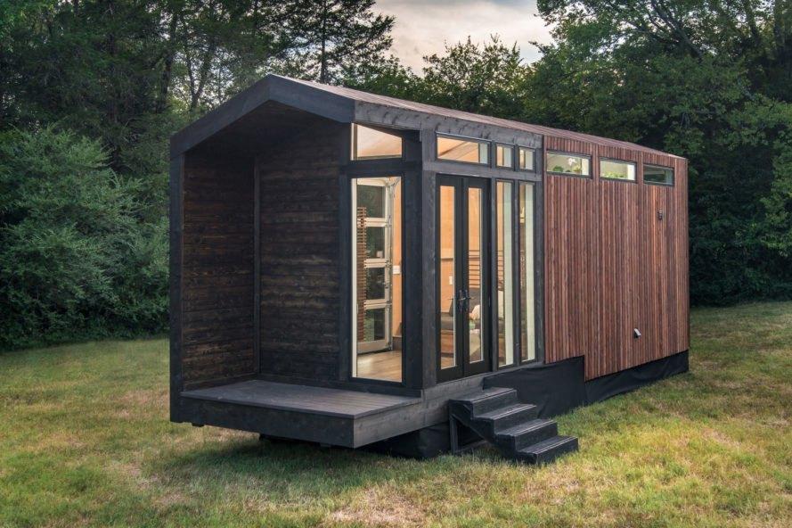 mobilný dom v priestranstve