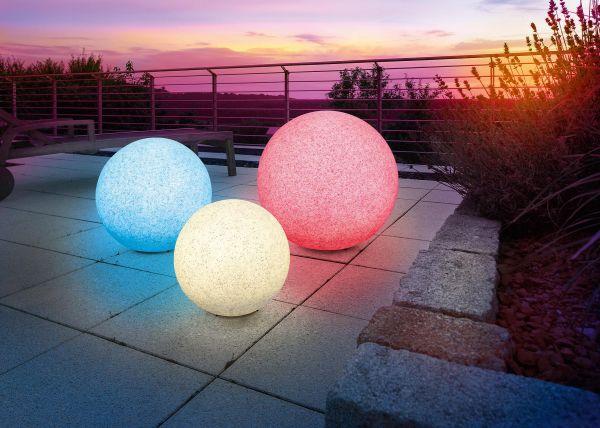 solarne zahradne osvetlenie gule kamene farebne Spríjemnite si letné večery vďaka solárnym svietidlám