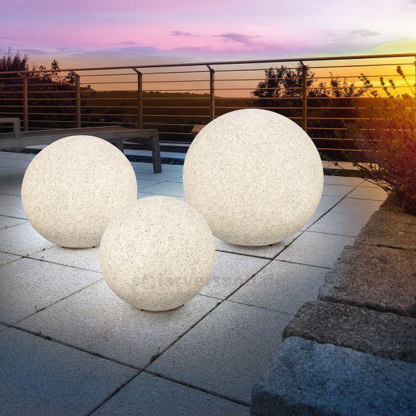 solarne zahradne osvetlenie gule kamene zahrada Spríjemnite si letné večery vďaka solárnym svietidlám