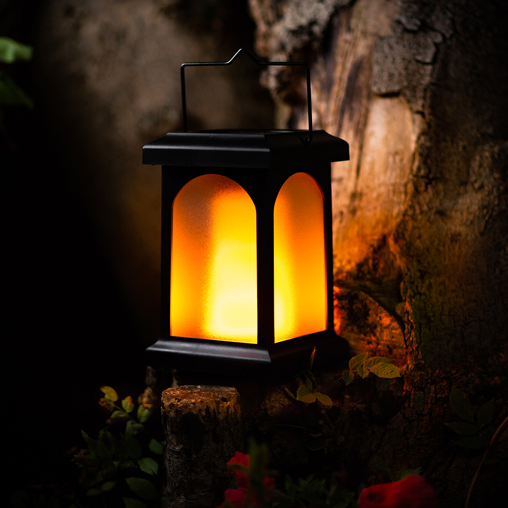 zahradne svietidlo imitacia plamena tma Spríjemnite si letné večery vďaka solárnym svietidlám