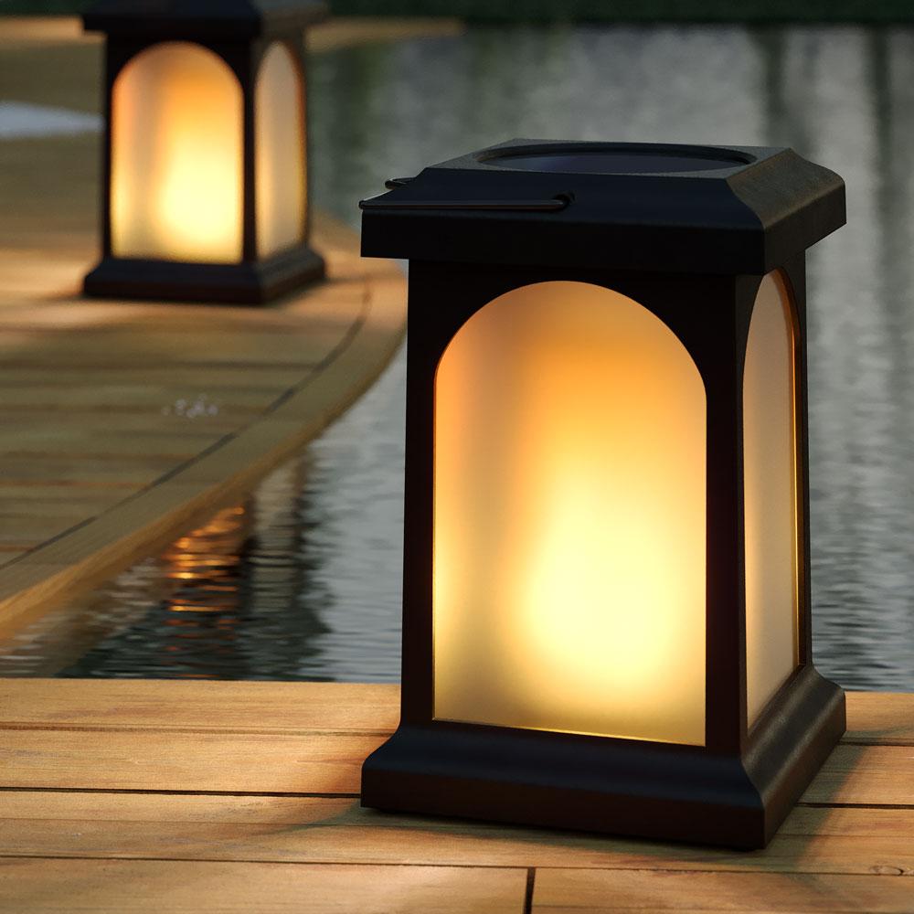 zahradne svietidlo imitacia plamena Spríjemnite si letné večery vďaka solárnym svietidlám