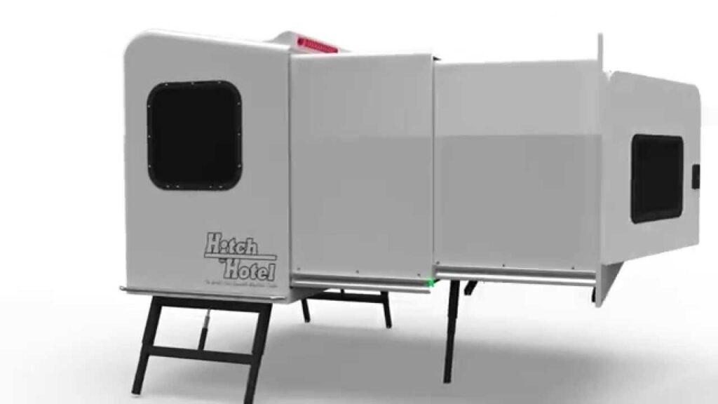 hitch-hotel-rozlozeny-karavan