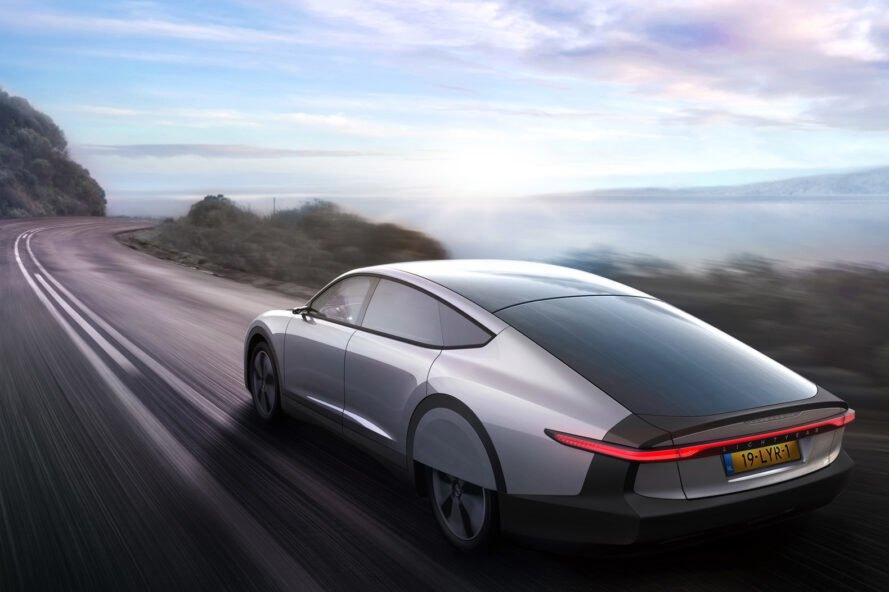 Lightyear one solarna energia Elektromobil, ktorý využíva na zvýšenie energie solárne panely
