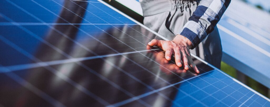 solarne panely a technik